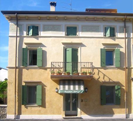 Agenzia immobiliare villafranca vendita appartamenti for Appartamenti lago di garda affitto agosto